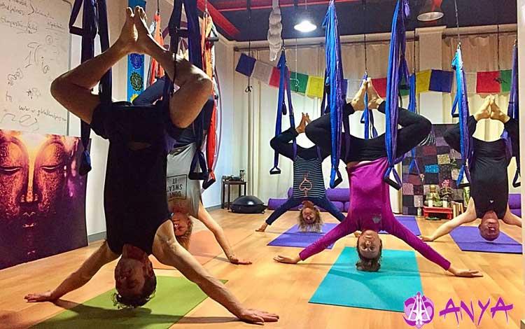 Inmersión Iniciación Yoga Aéreo Anya - Almería